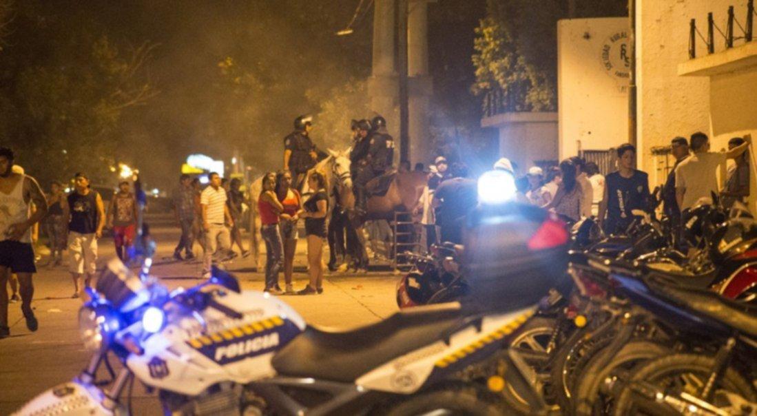 ABERRANTE| Golpearon a una policía afuera de la Carpa 'La Pacha'