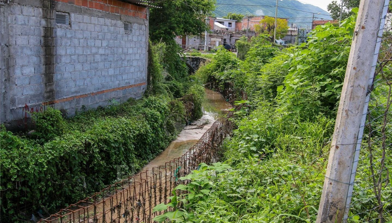 Vecinos sufren con los canales Tinkunaku y Velarde
