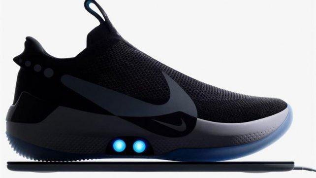 Menos Padre Una buena amiga  Nike lanza la zapatilla