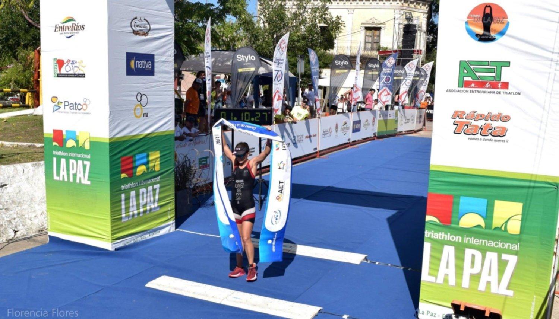 Delfina Álvarez volvió a ganar el triatlón de La Paz