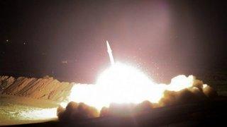 Al menos doce misiles impactaron en la base iraquí Al Asad, que alberga tropas estadounidenses