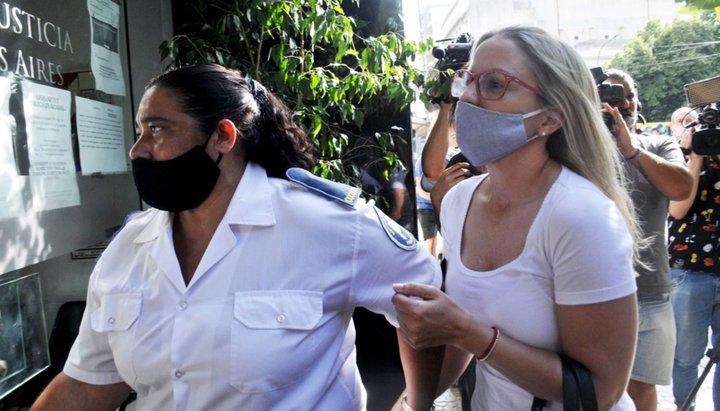 Un comisario complicó a Carolina Píparo y su esposo