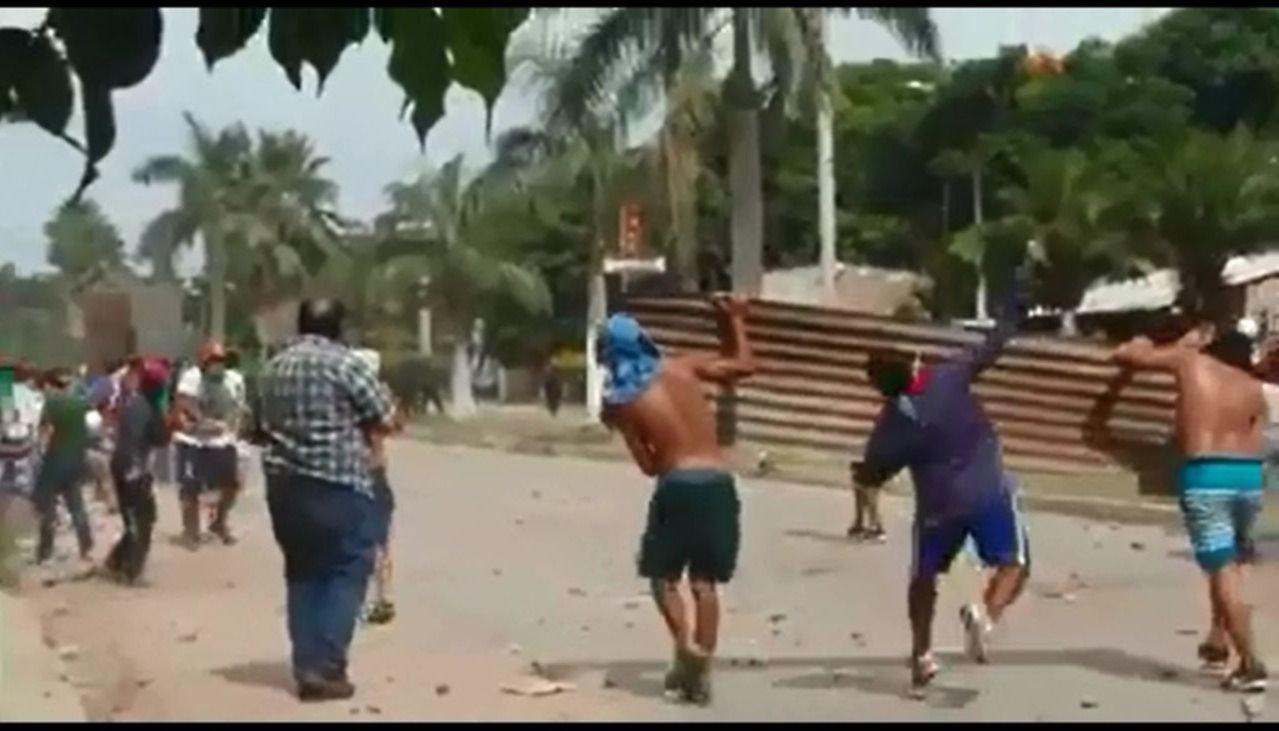 Tensión y violencia en el corte de la ruta 50 por los despidos en El Tabacal