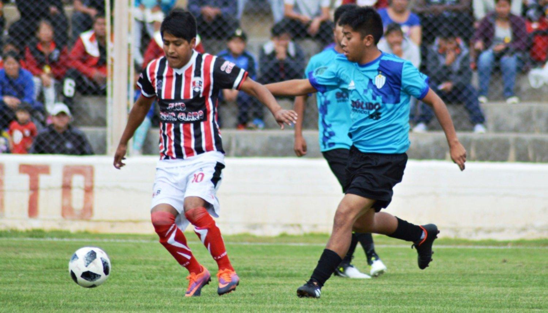 Santa Clara goleó a  Argentino por 4 a 1  y lidera el grupo