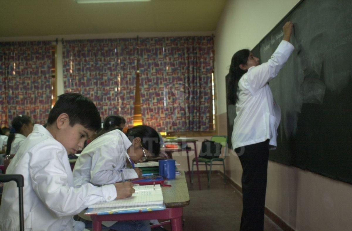 Controlarán títulos de docentes