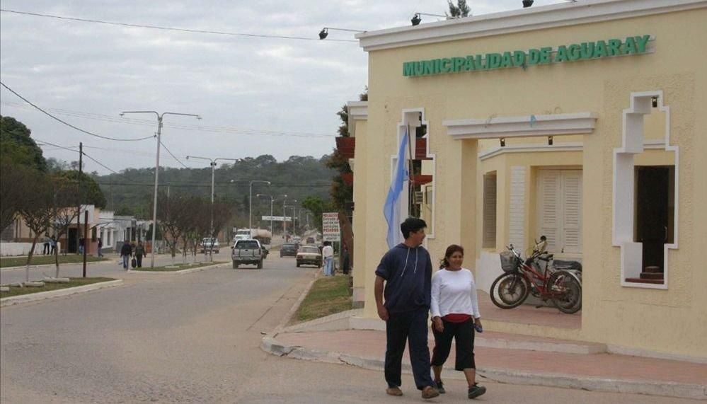En Aguaray,  concejales aumentan $8.000 sus dietas y bajan la ayuda social