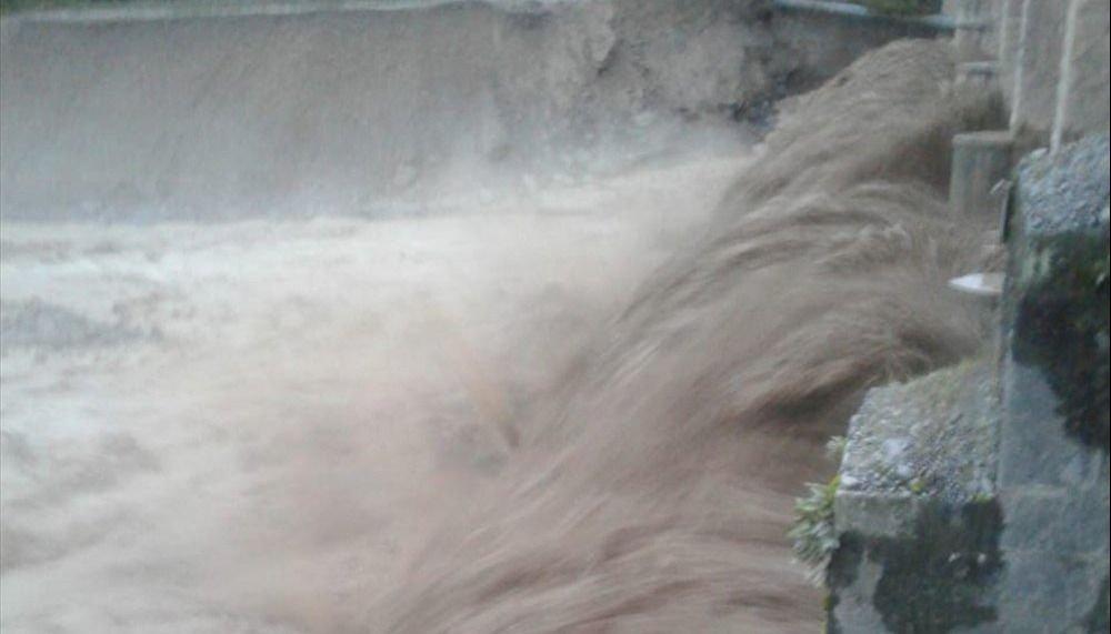 Crecidas imprevistas del río Toro  causan pánico en la población