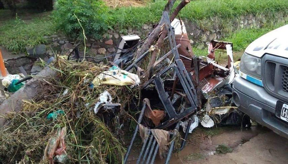 Advierten que por la basura colapsan los desages pluviales