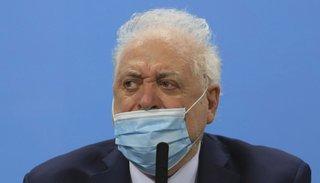 El director del Hospital Posadas complicó a Ginés González García