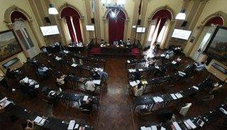 Vacunación COVID-19 en Salta: se presentaron al menos dos pedidos de informe en Diputados