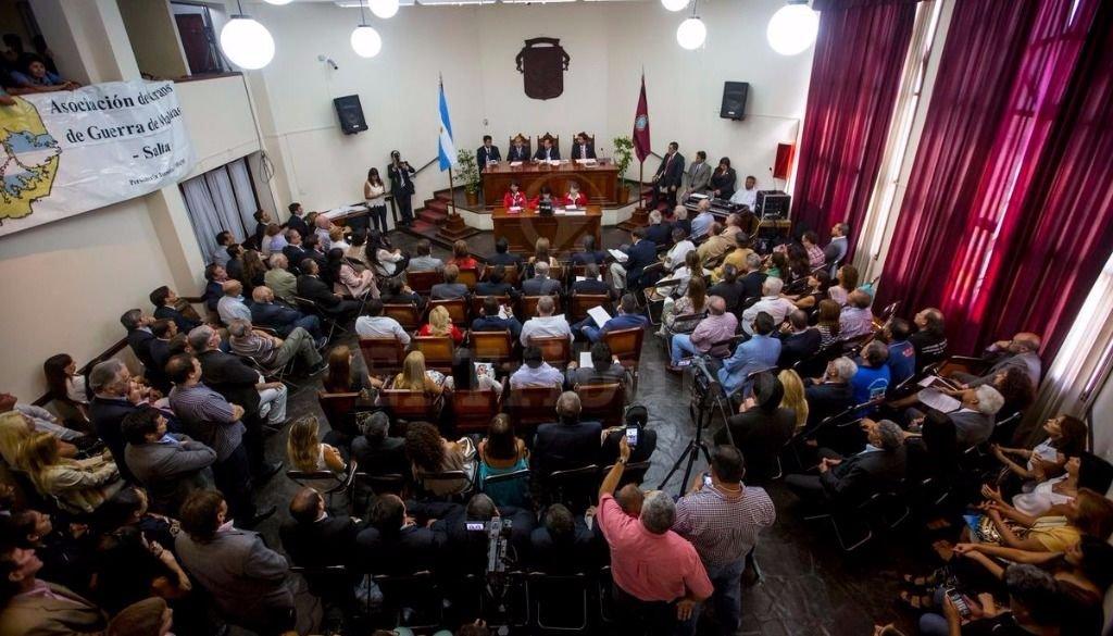 El intendente Gustavo Sáenzabrió las sesiones ordinarias. Fotos Javier Corbalán