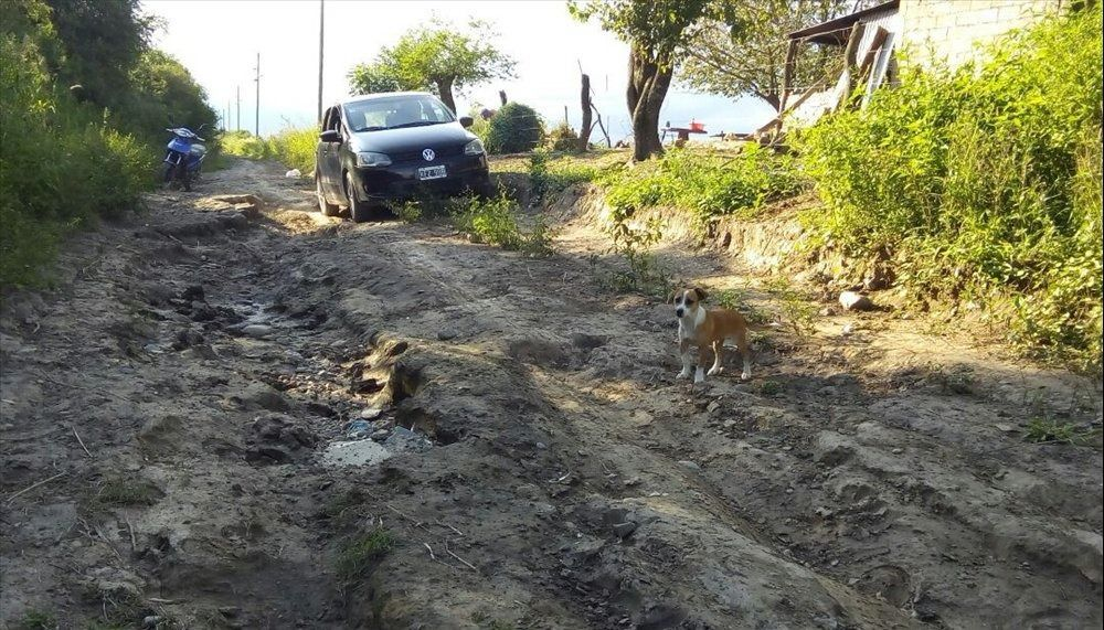En Bella Vista están atrapados por un  camino infernal