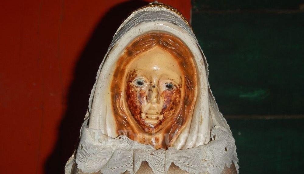 La Virgen Rosa Mística de  Metán va llorando 26 veces en casi un año