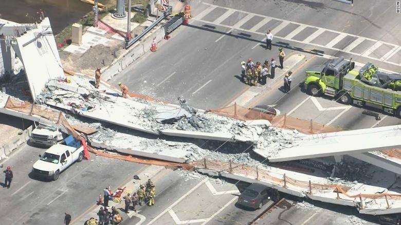 Desplome de puente peatonal en Florida deja varios muertos
