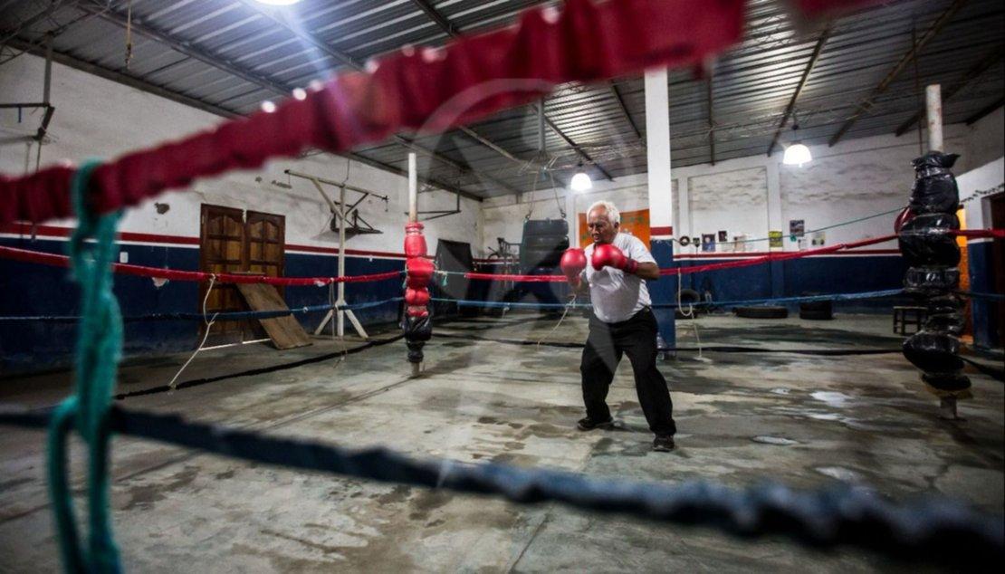 Demetrio Carabajal campeón de boxeo de Orán. Foto Javier Corbalán