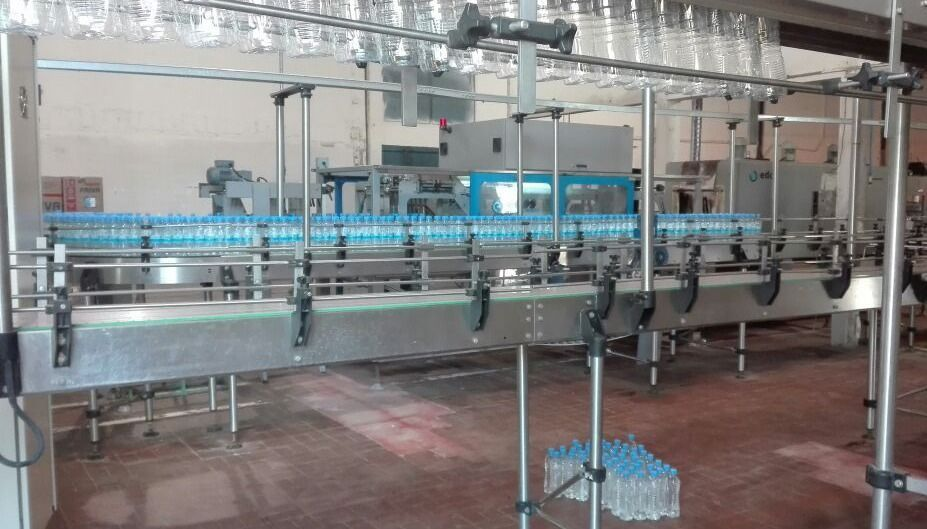 Reanudan con variantes la  producción de agua mineral