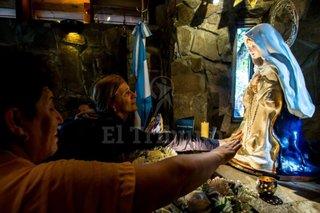 Sacerdotes, perplejos por la Virgen del Cerro en La Plata