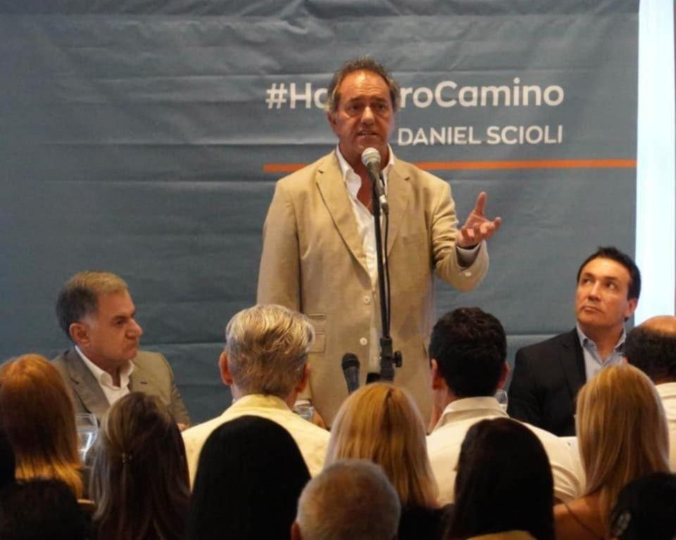 """Daniel Scioli: """"Voy a ser precandidato a presidente al servicio de los argentinos"""""""