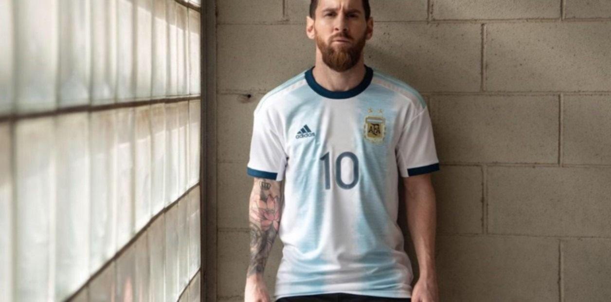 Así es la nueva camiseta de la selección argentina