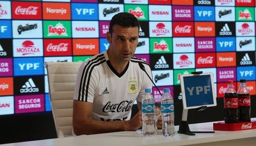 """Scaloni: """"Es una alegría que vuelva Messi"""""""