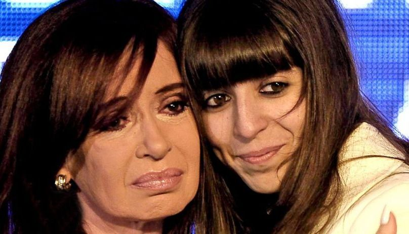 Florencia Kirchner pidió autorización a la Justicia para quedarse en Cuba 45 días más