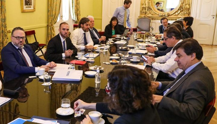 El Gobierno anunciará una reducción transitoria de aportes patronales a sectores afectados por la cuarentena