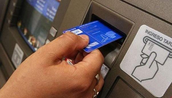 Jubilados podrán pedir por teléfono la tarjeta de débito