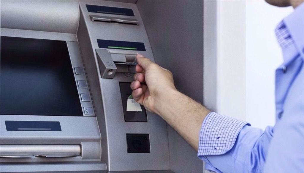 Habilitarán 7.000 cajeros en el país sin el control de los bancos