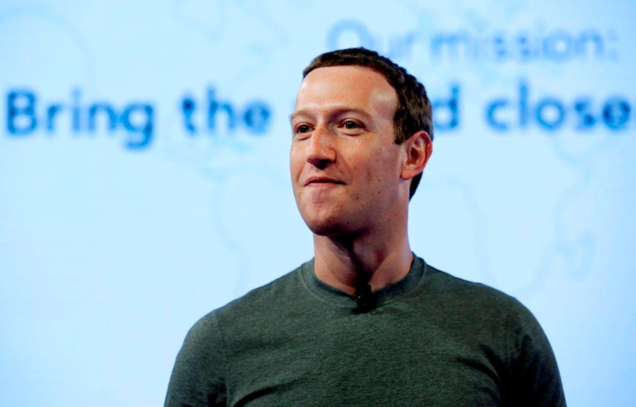 Zuckerberg declara por el escándalo en Facebook: