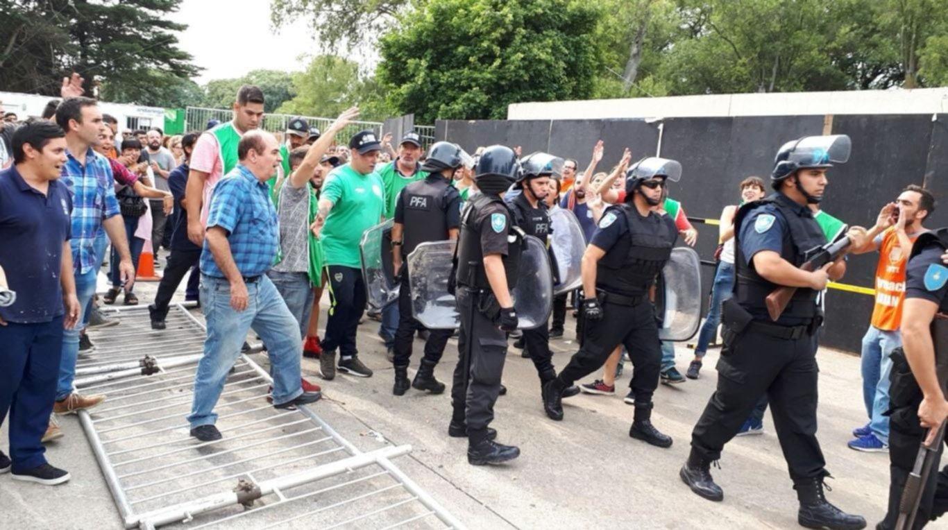 Trabajadores del INTI que reclamaban la reincorporación de 258 despedidos fueron reprimidos