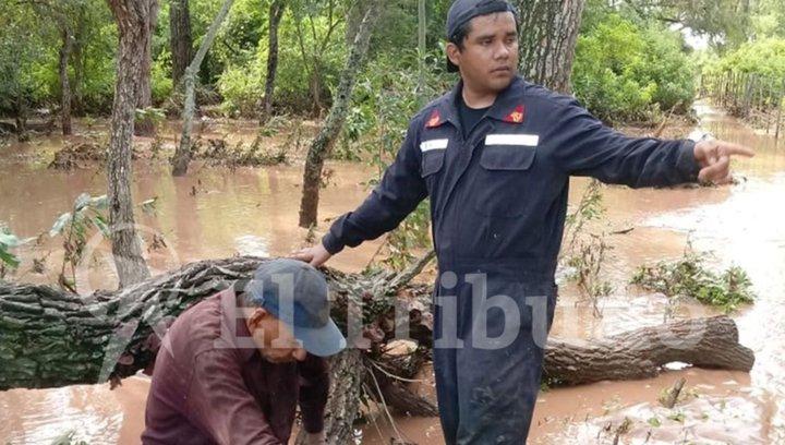 Se lo llevó el río y fue rescatado del monte
