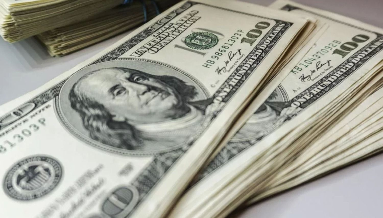 Para frenar dólar llevan tasas a las nubes — Nafta al fuego