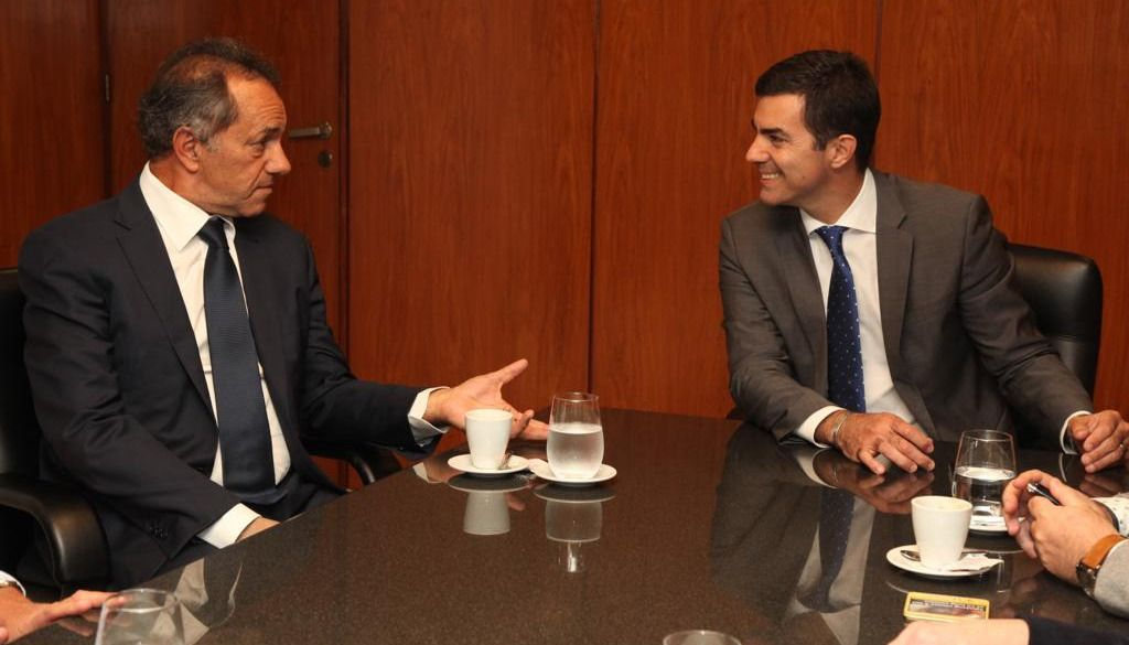 En la búsqueda de consensos en la oposición, Urtubey se reunió con Scioli y Stolbizer