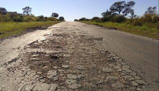 La ruta nacional 16 está cada vez más deteriorada