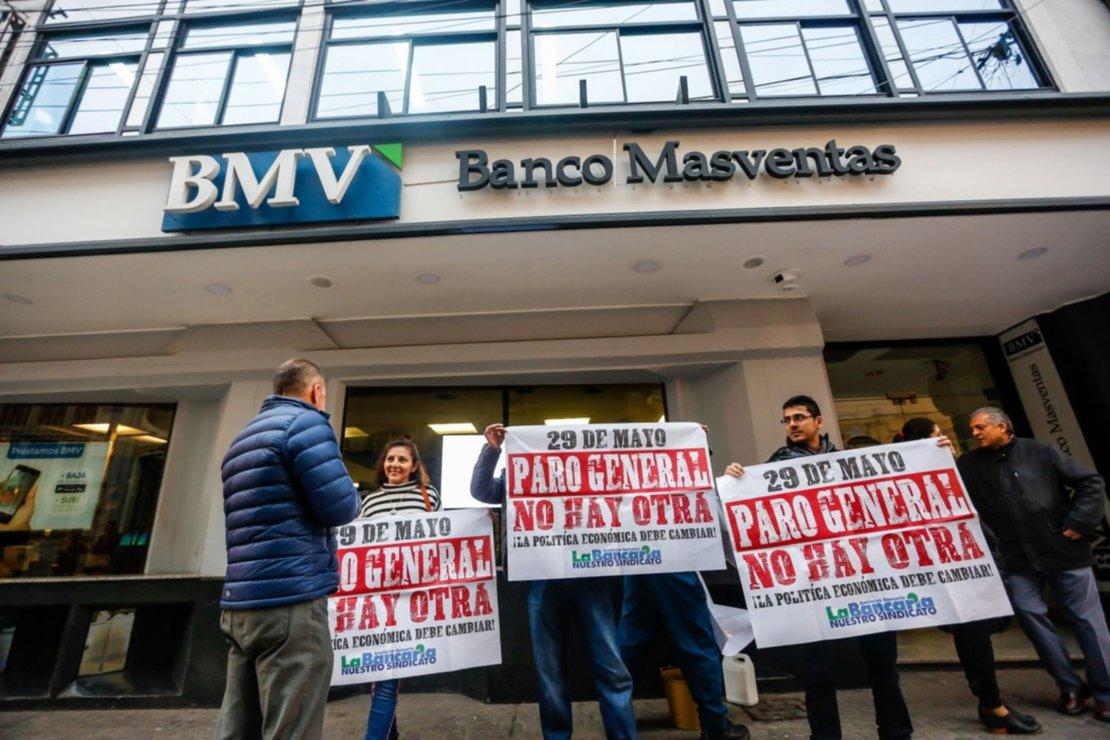 Bancarios frente a Masventas. Foto Javier Corbalán