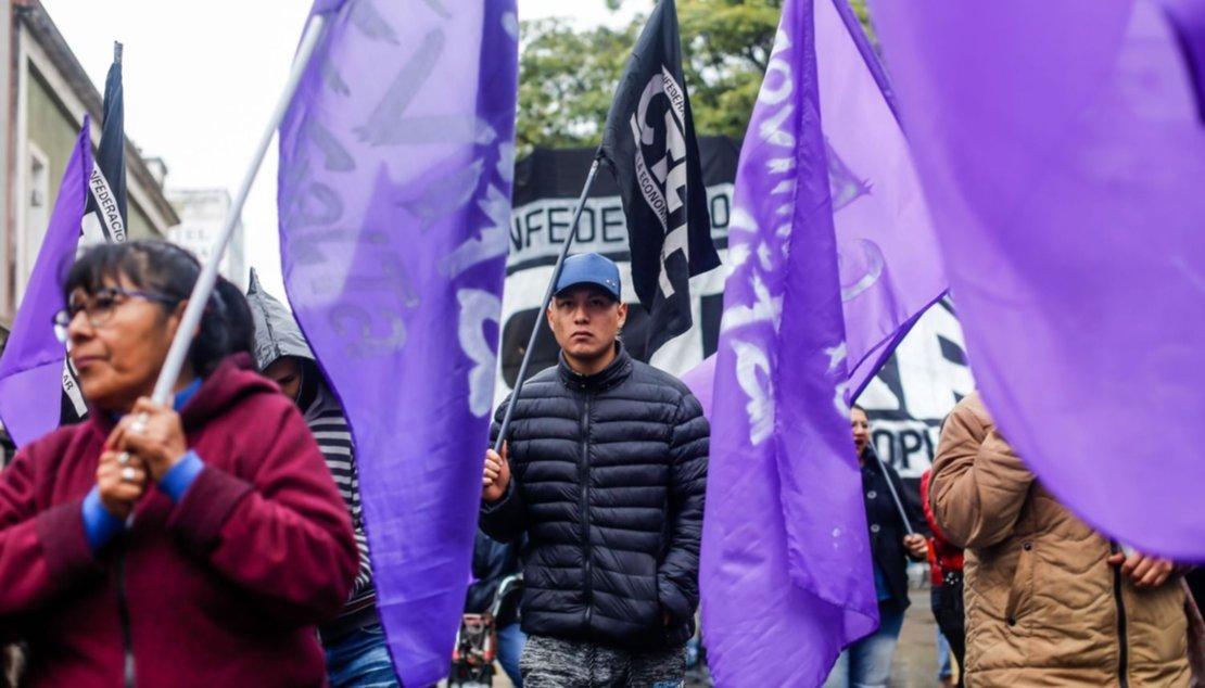 Manifestación en la plaza 9 de Julio. Foto Javier Corbalán