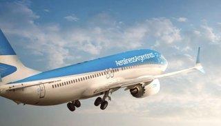 Aerolíneas Argentinas suspenderá a unos 8 mil trabajadores
