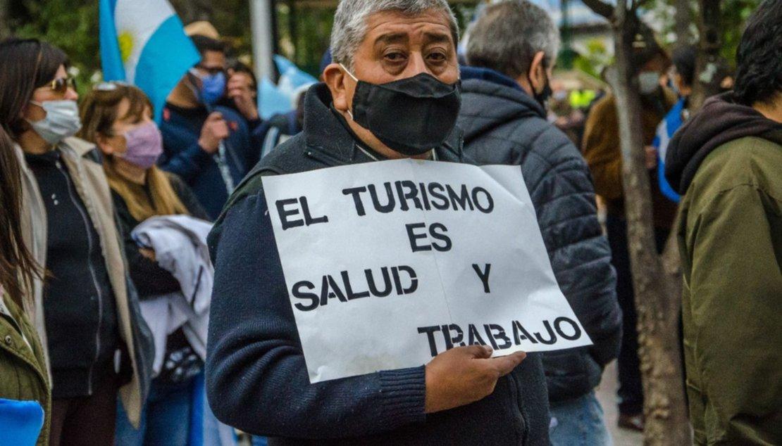 Manifestantes en la plaza 9 de Julio. Pablo Yapura