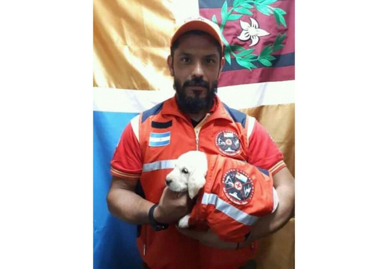 Incorporan a la perra Kanela a la Brigada de Rescate