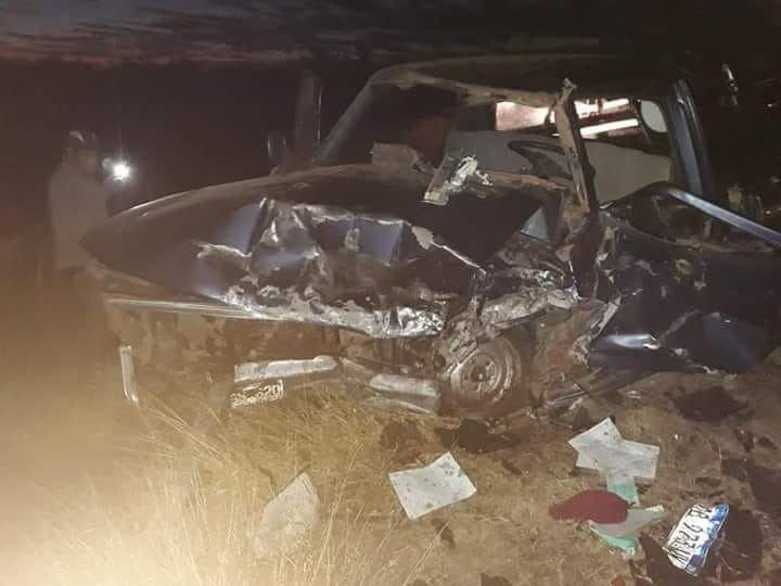 El Quebrachal: Dos víctimas fatales tras choque frontal entre dos camionetas