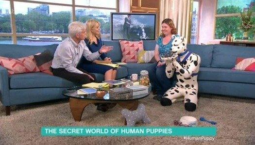 Así es la vida del hombre que se considera perro dálmata