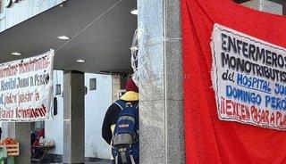 Monotributistas  siguen con la huelga