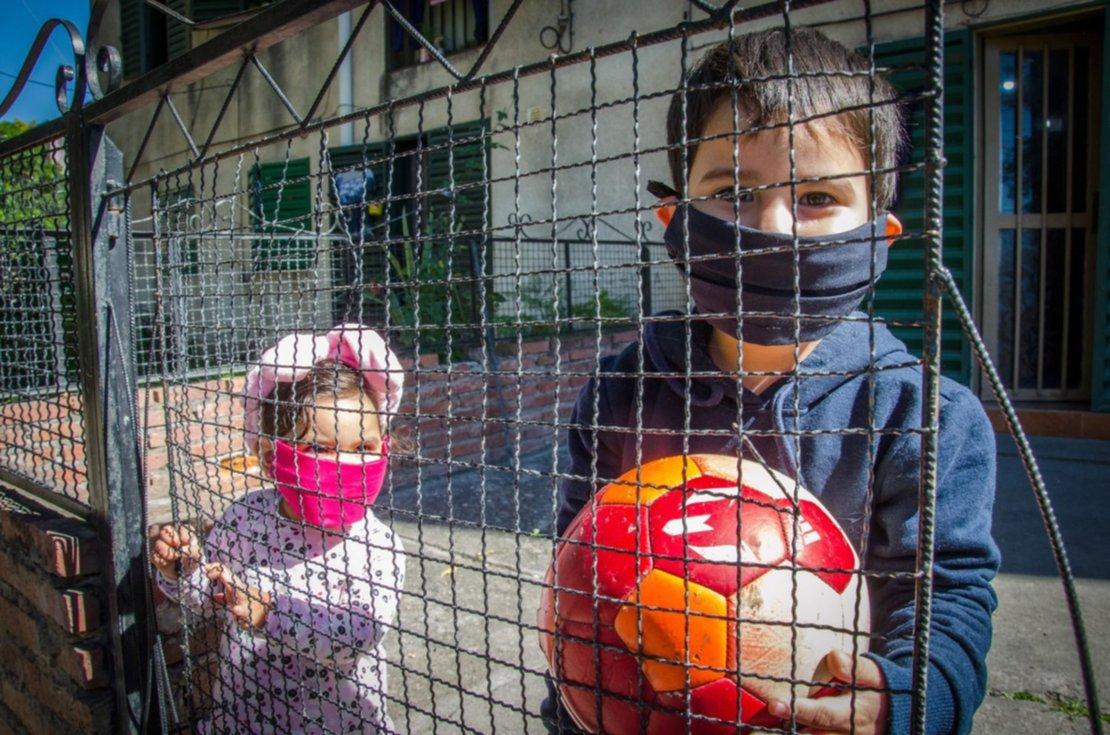 3) Cuando la cuarentena se extendía, los niños eran los que más sufrían el encierro. Foto: Pablo Yapura