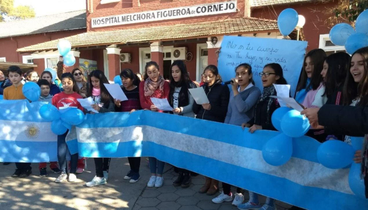 Vecinos se  manifestaron en contra del aborto