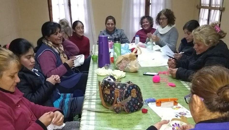 Enseñan oficios a  mujeres, para que  generen sus ingresos