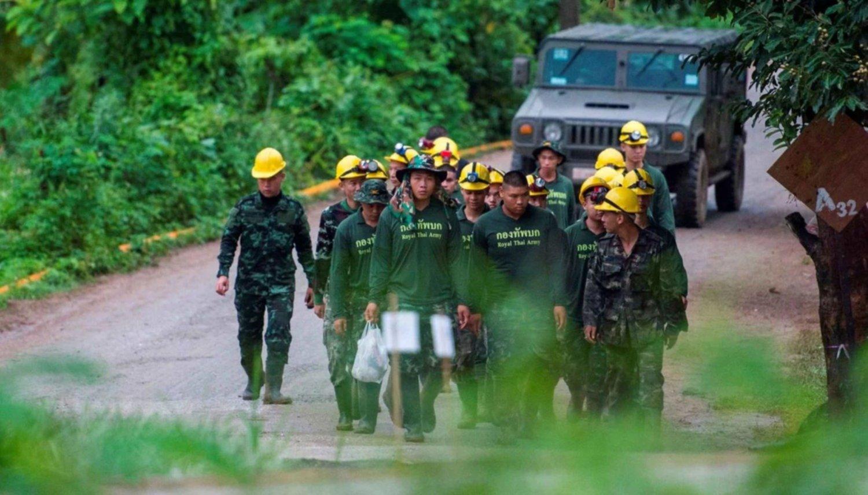 Algunos niños salieron dormidos de la cueva — Rescate en Tailandia