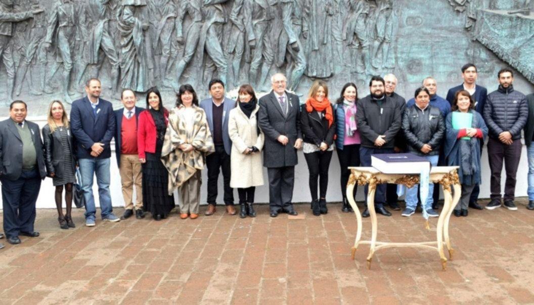 Nuevo convenio en Tucumán para  impulsar el turismo