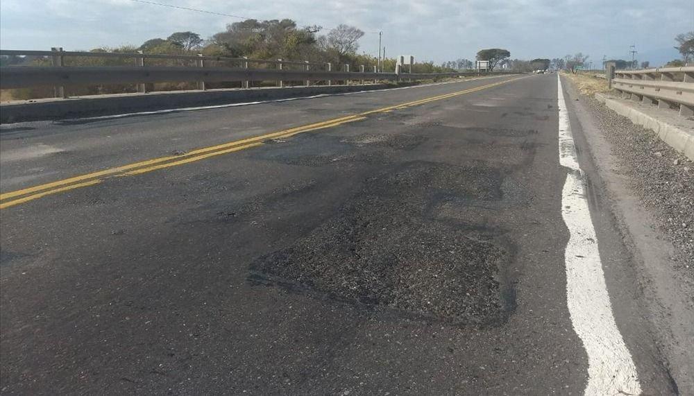 Limitan el uso del puente del  río Las Cañas por el deterioro