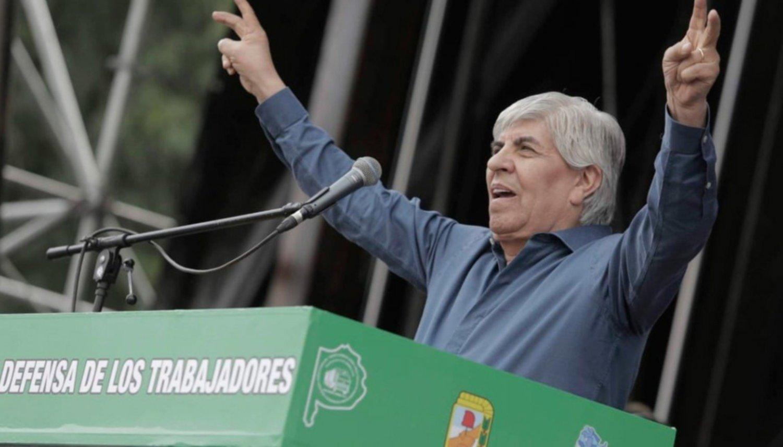 Moyano demanda a Adrián Suar y a Julio Chávez por una serie