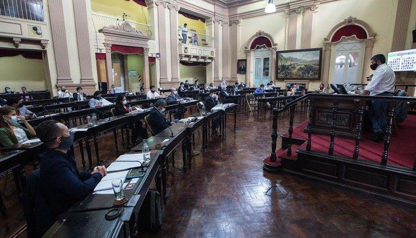 La sesión en Diputados será presencial y hay polémica